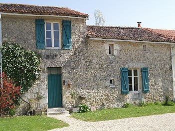 Lac de Maison - Quality Gites With Swimming Pool In The Poitou Charente.