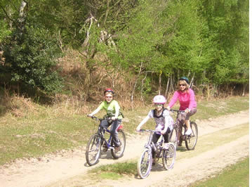 Cycling Holidays in Norfok and Suffolk with UK Cycle Holidays l Family Adventure Tour